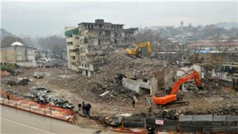 Kahramanmaraş'ta kentsel dönüşüm için yıkımlar devam ediyor