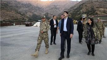 Bakan Murat Kurum, üs bölgelerini ziyaret etti