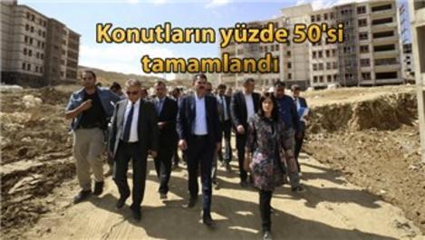 Murat Kurum, Hakkari'de yapılan konutları inceledi