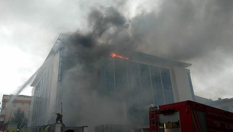 Sultangazi'de huzurevinde çıkan yangın kontrol altında!