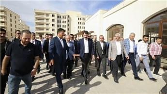 Bakan Kurum Mardin'de TOKİ konutlarını inceledi