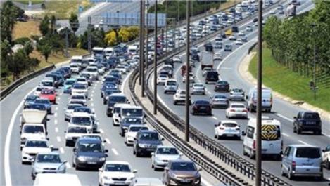 Trafikteki taşıt sayısı 551 bin 713 arttı