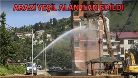 Rize'deki 7 katlı binanın yıkımına başlandı
