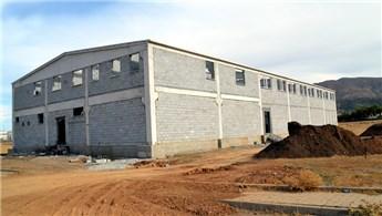 Bitlis'te yeni fabrikaların bacası tütecek