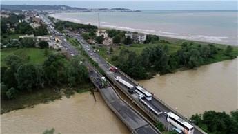 Ordu'daki selde yıkılan Cevizdere Köprüsü ulaşıma açılıyor