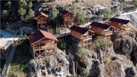 Bolu'daki 3500 yıllık kaya evlerinin kopyaları otele dönüşüyor