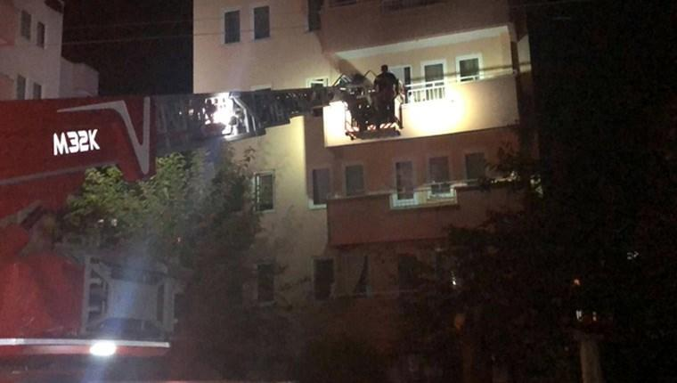 Bursa'da kolonunda çatlaklar oluşan 5 katlı bina boşaltıldı