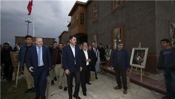 Bakan Kurum, Tarihi Van Evleri'nin açılışına katıldı