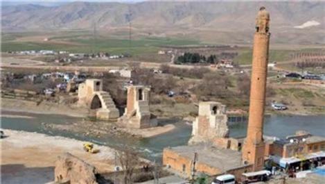 Hasankeyf'te 611 yıllık minare taşınıyor