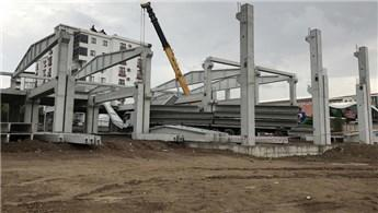 AVM inşaatında beton blok düştü