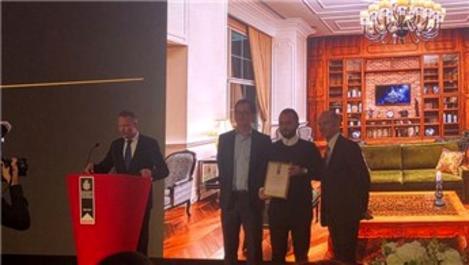 Cüneyt Darı, Rubi Platinum Hotel projesi ile Londra'da ödül aldı