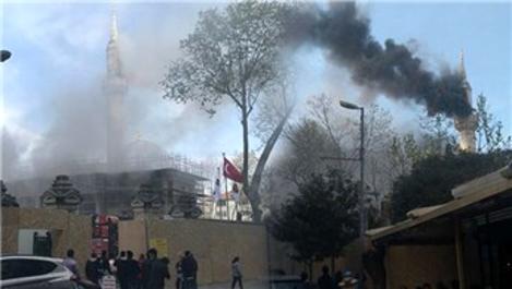 Şişli'de caminin çatısında yangın çıktı!