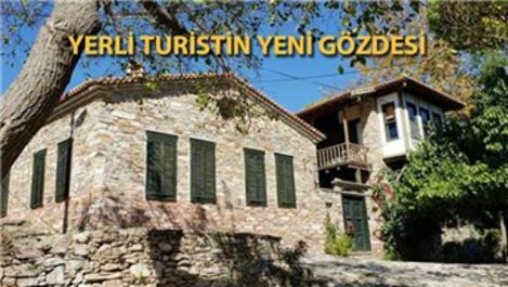 Doğanbey'deki taş evleri 1 yılda 200 bin kişi ziyaret etti