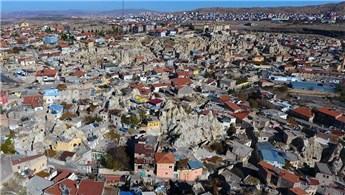 Nevşehir'de halkın bir kısmı kaya oyma ev geleneğini sürdürüyor