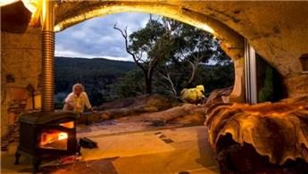 Miras kalan evi bırakıp mağarayı eve dönüştürdü!