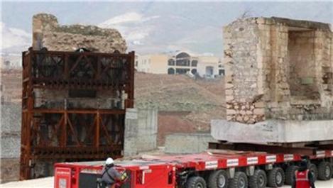 Hasankeyf'teki Eyyubi Camisi'nin ilk bölümü taşındı