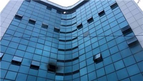 Şişli'de 17 katlı iş merkezinde yangın!