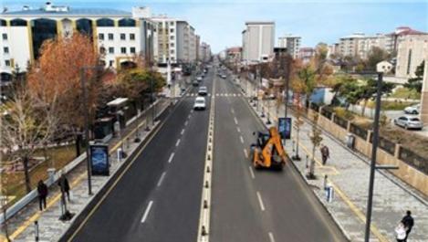Türkiye'nin en uzun caddesi tekrar trafiğe açıldı