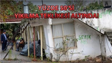 Antalya Muratpaşa'da çökme tehlikesine direkli çözüm!