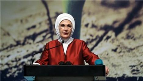 Emine Erdoğan, İstanbul Çevre Zirvesi'ne katıldı