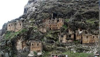 Çukurca'da 400 yıllık tarihi yapılar turizme kazandırılıyor!