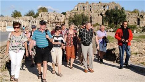 Türkiye 11 ayda 43 milyon turiste ev sahipliği yaptı
