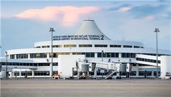 Antalya Havalimanı yabancı ziyaretçi sayısıyla rekor kırdı!