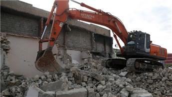 Siirt'te 141 metruk ev yıkıldı
