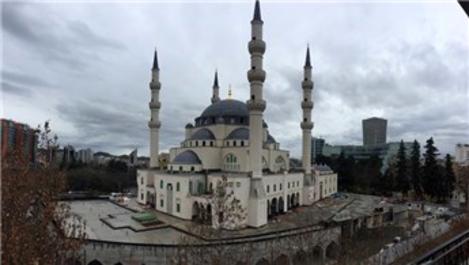 Balkanlar'ın en büyük camisi Tiran'da hızla yükseliyor!