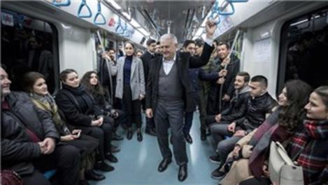 Binali Yıldırım, Marmaray'a bindi!