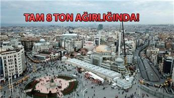 Taksim Camisi minaresinin külah bölümü yerleştirildi