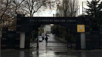 İstanbul'da Şişli Endüstri Meslek Lisesi bahçesinde yangın çıktı