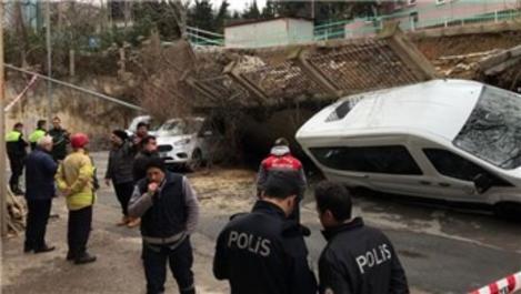 Beykoz'da istinat duvarı çöktü, araçlar altında kaldı