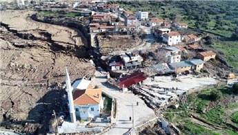 İzmir'de meydana gelen heyelan köyü ikiye böldü!