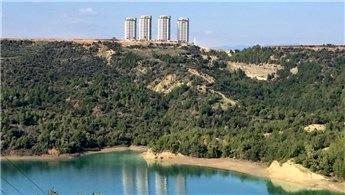 Adana'da Seyhan Gölü kenarına apartman!