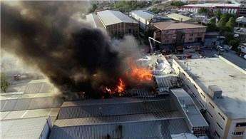 Arnavutköy'de fabrikada yangın çıktı!