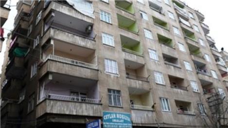 Diyarbakır'da yıkılma tehlikesi olan binaya boşaltma kararı!