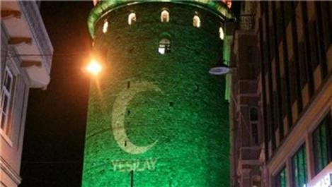Galata Kulesi, yeşil ışıkla aydınlatıldı