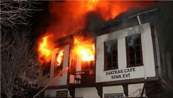 Ankara'da tarihi Hamamönü Çarşısı'nda yangın çıktı!