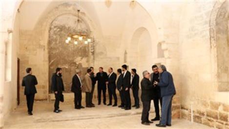 Şanlıurfa'da tarihi yapılar Büyükşehirle hayat buluyor