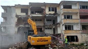 Büyükçekmece'de riskli bulunan 28 dairenin yıkımı gerçekleşti