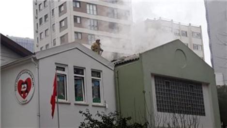 Kadıköy'deki Atacan Anaokulu'nda yangın çıktı