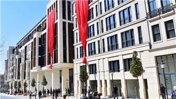 Taksim 360'ta ilk etabı oluşturan ofislerde yaşam başladı
