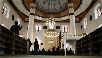 Rize'de taşınan eski Orta Cami yeni yerinde ibadete açıldı