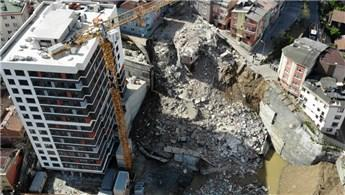 Kağıthane'de yıkılan binaların enkazı görüntülendi