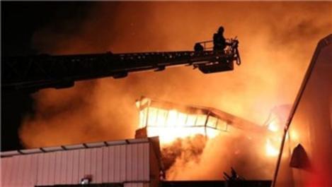 Denizli'de tekstil fabrikasında yangın!