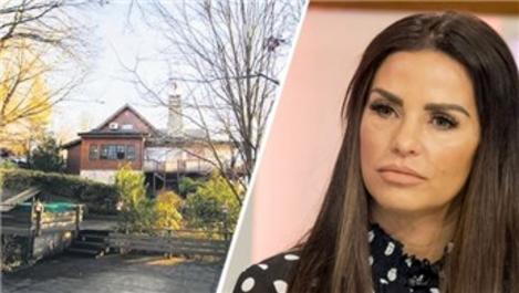 Katie Price, Beykoz'da 3.5 katlı özel villa tuttu