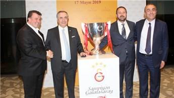 Galatasaray camiası şampiyonluk öncesi buluştu
