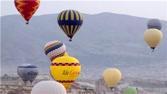 Kapadokya'da hava balonlarında rezervasyonlar şimdiden doldu