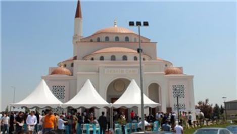 Dünyaca ünlü sanatçılar GEBKİM Camisi'ni ibadete açtı